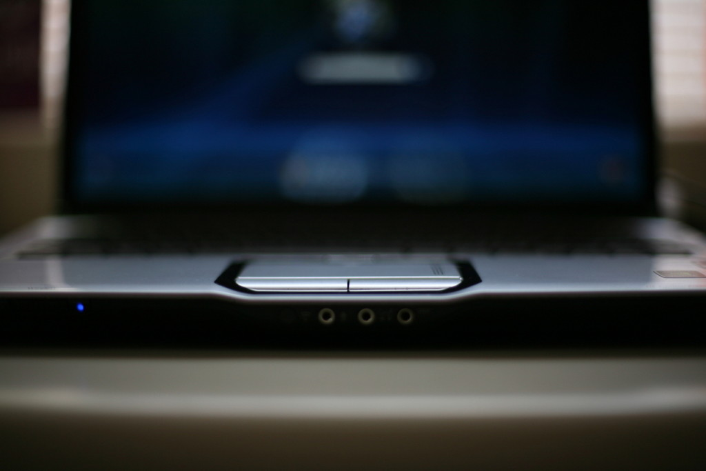 laptop-computer-1242359-1279x852