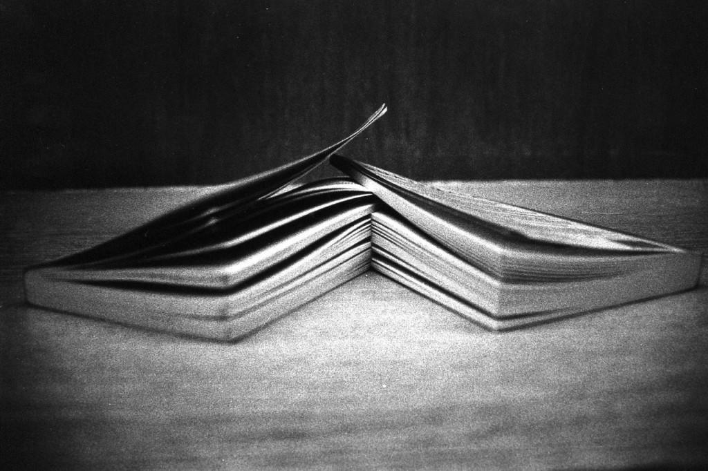 books-2-1510052-1278x851